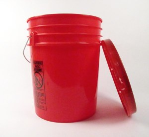 large-5-gallon-bucket-w-lid-red-