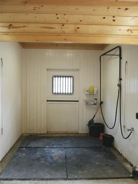HappyHorseHealthyPlanet_Keystone barns