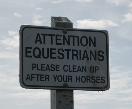 HappyHorseHealthyPlanet_Trail Sign